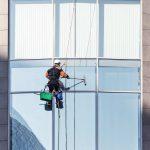 Limpieza de cristales y fachadas en altura